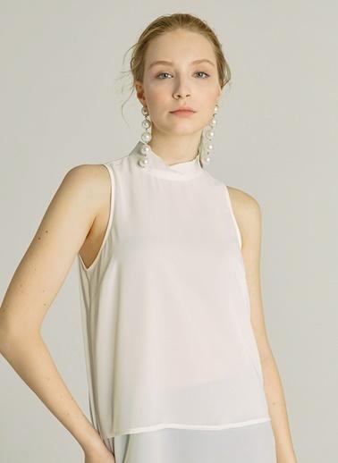 NGSTYLE Essentials - Dik Yaka Bluz Beyaz